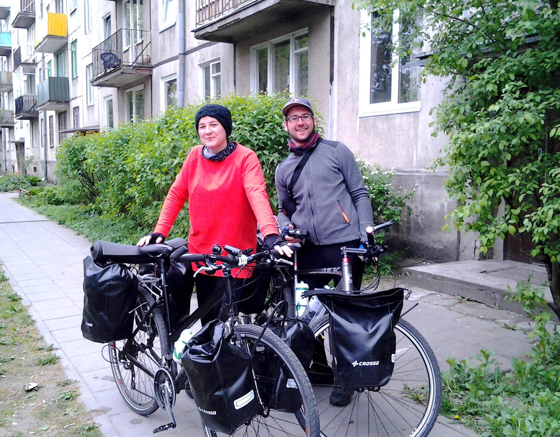 Iwona i Krzysiek podczas przystanku w Wilnie.