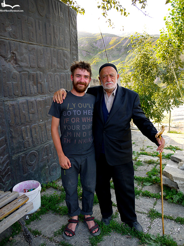 Jon i azerski staruszek w Lahic